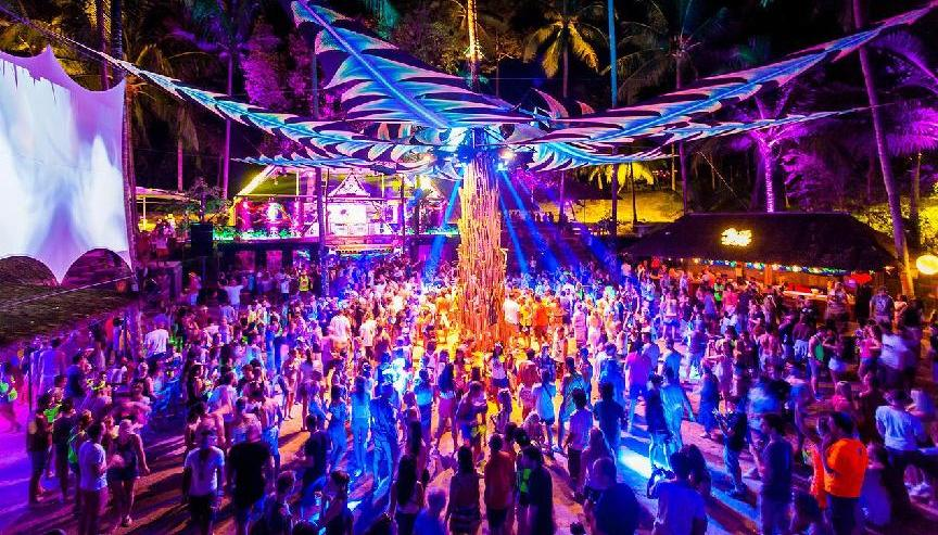 Half Moon Party picture