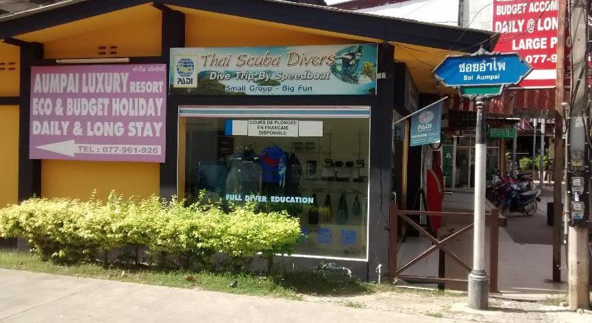 Thai Scuba divers picture